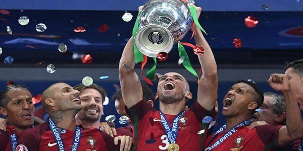 פורטוגל זוכת יורו 2016