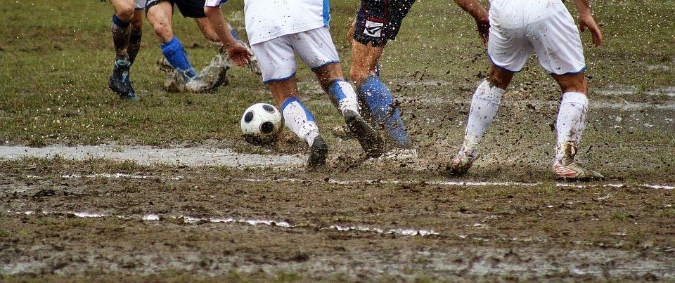 כדורגל בגשם