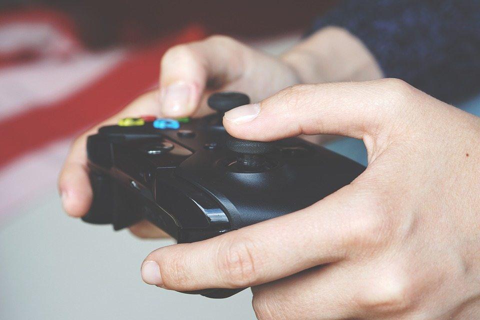 משחקי וידאו, פלייסטיישן, אקס בוקס