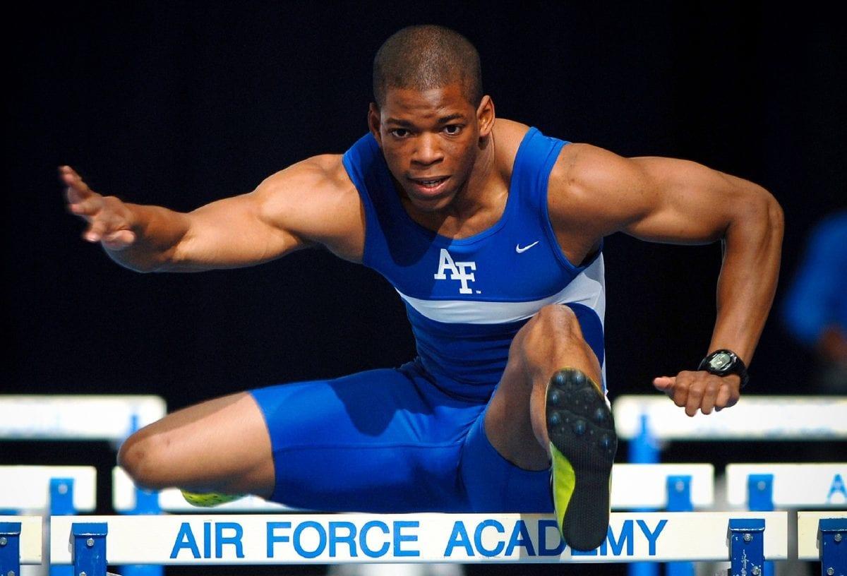 ספורטאי על, אתלטיקה, משוכות