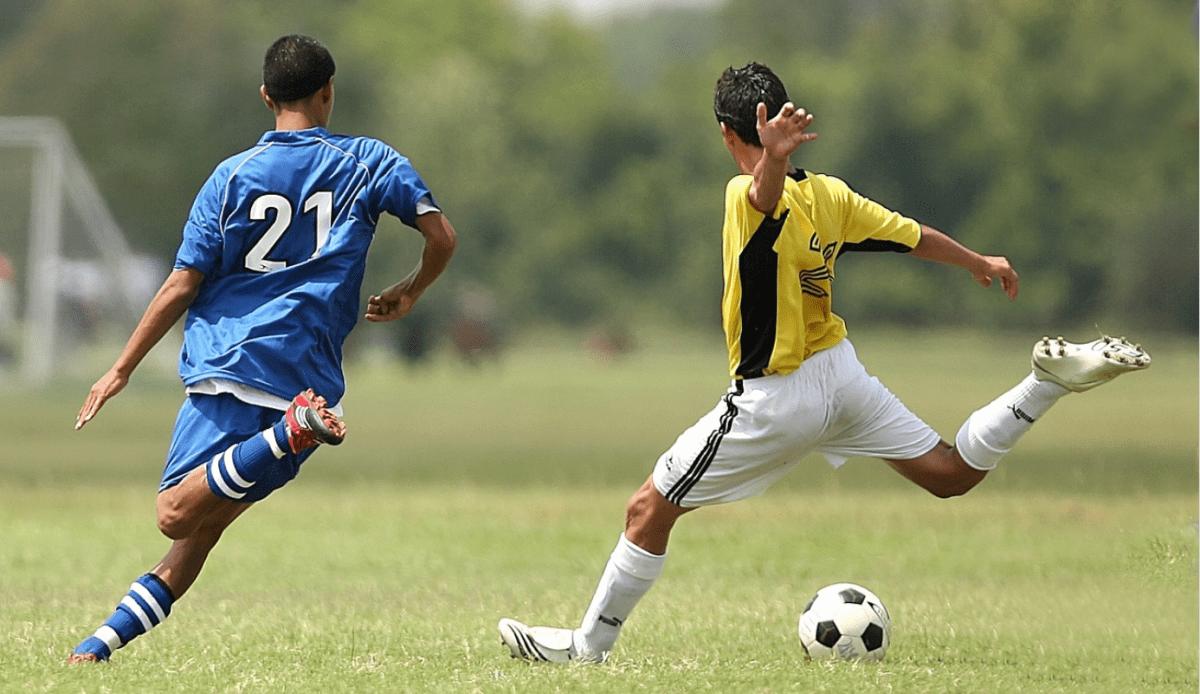 ילדים כדורגל