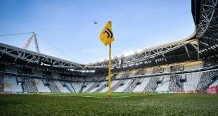 יובנטוס, אצטדיון, דגל קרן