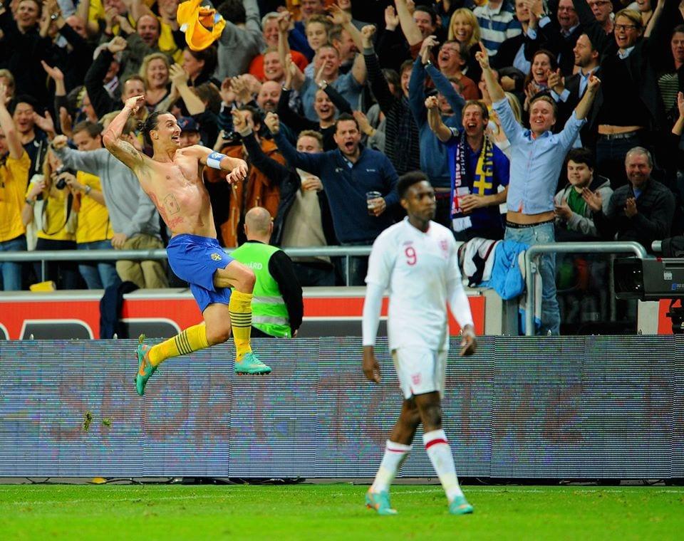 זלאטן חוגג נגד אנגליה
