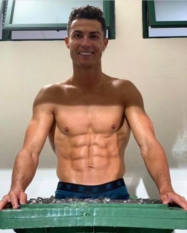 כריסטיאנו רונאלדו. בן 35, להזכירכם.