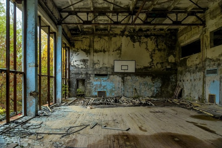 גם אולם הכדורסל נותר עזוב. credit to flickr