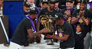 לוס אנג'לס לייקרס זוכים באליפות